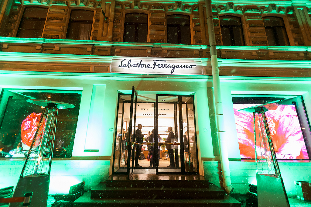 #flowerinvasion salvatore ferragamo